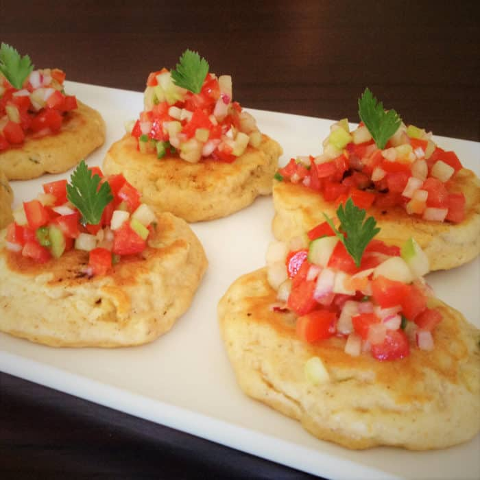 This is a tasty corn cake recipe creates the perfect platform to top with a pico de gallo creating a healthy and flavorsome finger food. #bushcooking #corncakes #
